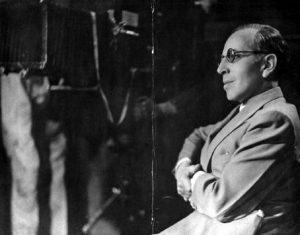 مارسل لربیه ۱۹۲۱ در فیلم «پول» در صحنه تالار بورس از دوربین معلق بهره میبرد.